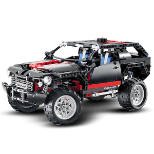 2019 MOC Compatible with lepinnglys 8081 Technic Motor Extreme Cruiser SUV 589pcs Racing Car Model Building Block Christmas Toys(China)