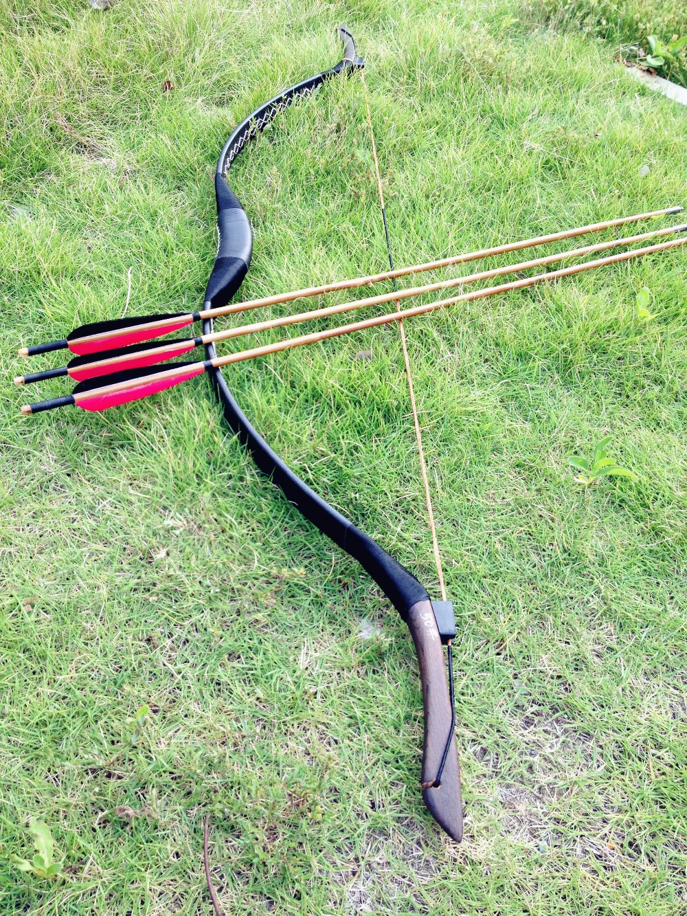 US $54 17 14% OFF|Chinese Traditional Black leather longbow recurve bow  Archery longbow 20# 60# +3 bamboo arrows-in Bow & Arrow from Sports &