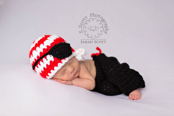 5d8fef8d0 US $9.36 48% OFF|free shipping,cute pirate style newborn hat and pants baby  set handmade crochet photography props-in Hats & Caps from Mother & Kids ...