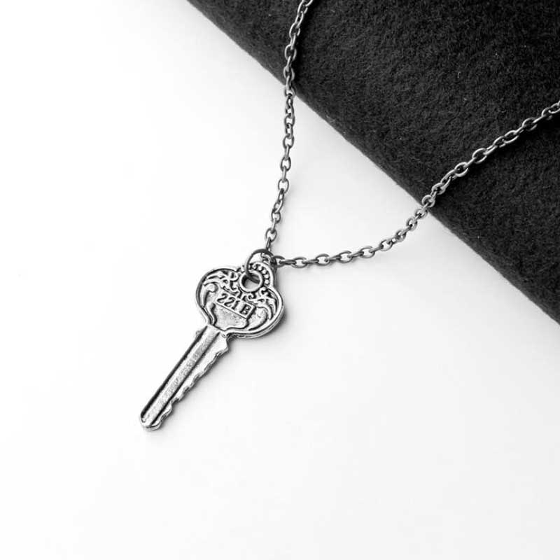 Sherlock Holmes 221B Baker Street Key Necklace Vintage Antique Silver And Bronze Pendant For Men Women Movie Jewelry Wholesale in Pendant Necklaces from Jewelry Accessories