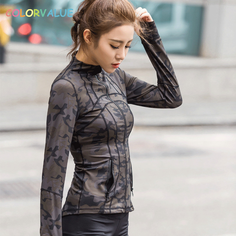 Colorvalue Camo Printed Sport Jacket Women Full Zipper Yoga Running Jacket Slim Fit Fitness Gym Coat Outwear with Zipper Pocket zipper up hooded camo lightweight jacket