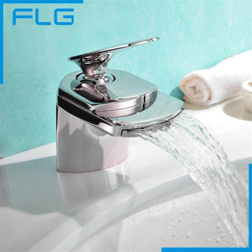 ФОТО Made in China Chrome Bathroom Basin Sink Mixer Tap, Deck Mounted Washing Copper Basin Waterfall Faucet