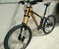 Pneu da bicicleta da sujeira 26/27. 5*2.35 de polegada pneus freios Hidráulicos quadro h Downhill mountain bike 24/27/30 velocidade