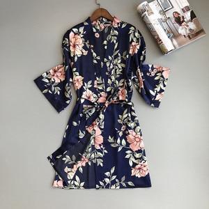 Image 4 - Zwei Stück frauen Pyjamas Silk Kleid Und Robe Kleid Set Floral Bademantel Dessous Femme Sexy Nachthemd Kimono Nachtwäsche Hause anzug