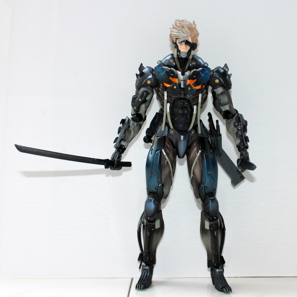 Game Figure 28 CM Square Enix Metal Gear Rising Revengeance Metal Gear Solid Raiden PVC Action Figure Collectible Model Toy new hot christmas gift 21inch 52cm bearbrick be rbrick fashion toy pvc action figure collectible model toy decoration