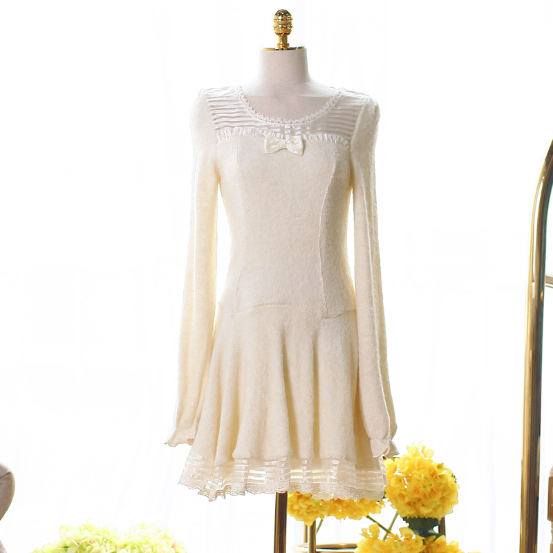 Princesse douce lolita robe automne robe tricotée princesse douce et belle pêche coeur Eugen fil épissage un mot UF137