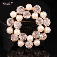 Exquisite Imitation round Cream Pearl Flower Brooches Diamante Rhinestone Wedding Brooch Pins Gold Color Elegant Women Broach