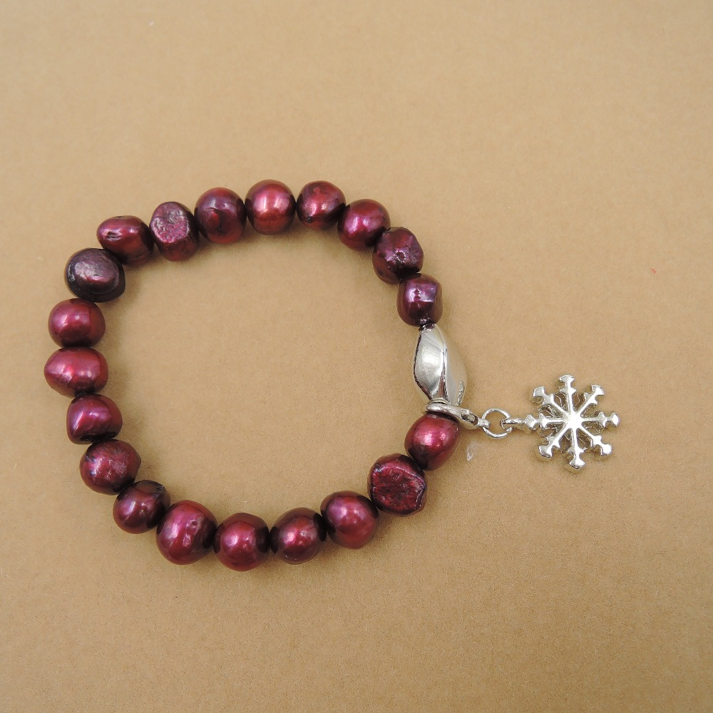 Christmas bracelet made of 100% nature freshwater pearl