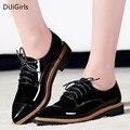 Британский стиль черный лакированной кожи oxfords квартир женщин моды случайные острым носом на шнуровке Дерби Обувь дамы Ручной сшитые туфли