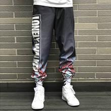 купить 2019 Fashion Men Letter Print Pants High Waist Hiphop Cool Pant Men Women Military Pant Jogger Dance Pant Sweatpants Streetwear по цене 1167.79 рублей