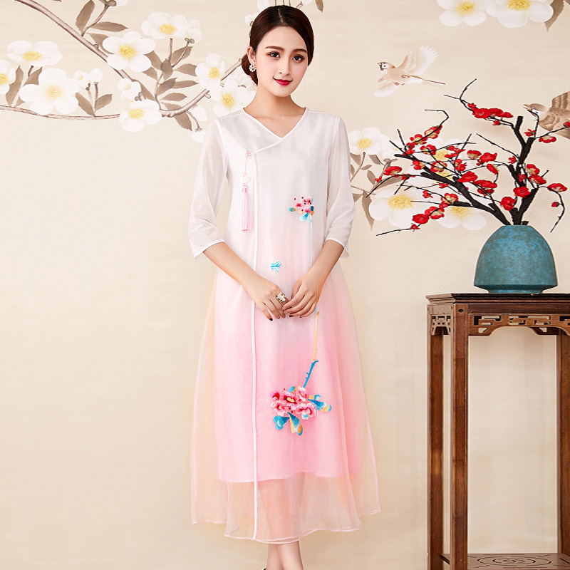 Spring/summer 2018 women's clothing of Chinese style Fried organza embroidery gradient color tea improved qipao dress suit