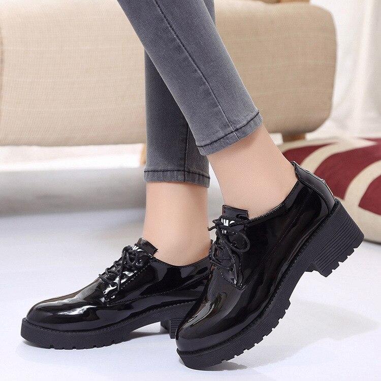 Dropshipping สิทธิบัตรหนัง Oxford รองเท้าผู้หญิงสไตล์อังกฤษรอบ Toe Lace-up Flats ส้น Chaussures Femme zapatos ZSTM17