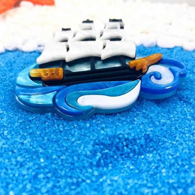 Sexe Mara Hot Menjual Perahu Layar Resin Akrilik Bros untuk Wanita Pria Perahu Bentuk Bros untuk Aksesoris Pakaian Korsase Pin Klip