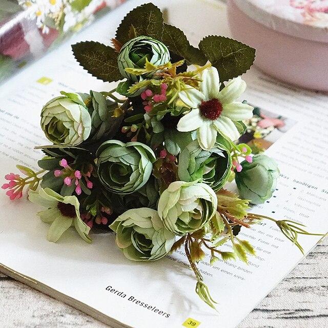 Sutra Buket Bunga Pernikahan Bunga Daisy   Camellia Bud Buket Buatan Fall  Vivid Bridal Karangan Bunga c7aab56ebb