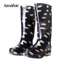 Сапоги на резиновой подошве женские водонепроницаемые резиновые сапоги Для женщин Сапоги и ботинки для девочек удобные круглый носок бренд Ботинки с высокими коленями 2017 Kawaihae 329