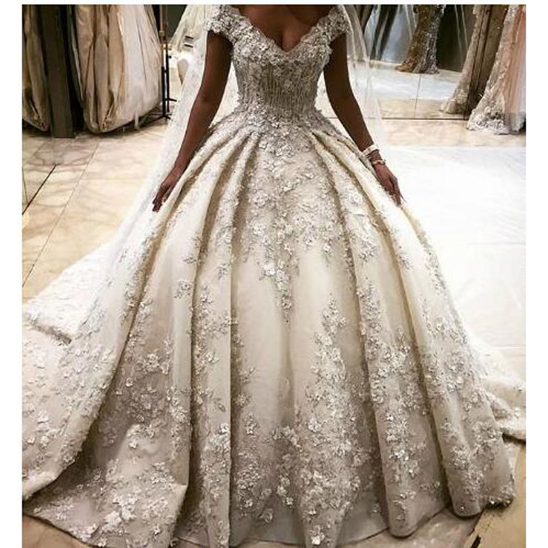 Us 274 55 5 Off 2018 Luxurious Ball Gown Wedding Gowns Dubai Arabic Lace Lique Bridal Middle East Style Vestido De Noiva Casamento In