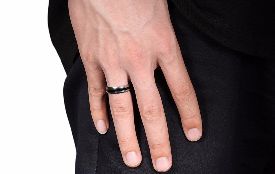 titanium-steel-black-striped-jewelry-ring-4