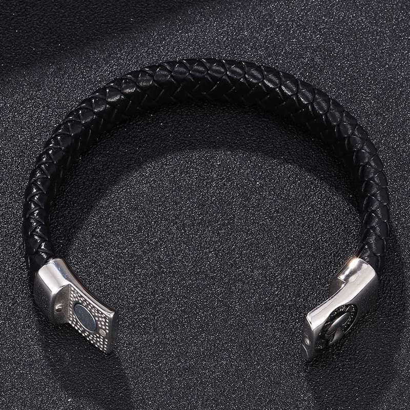 Fashion Men Stainless Steel Leather Bracelets Punk Jewelry Male Wolf Head Charms Bracelets Bangles Wristband pulseira BB0266 in Charm Bracelets from Jewelry Accessories