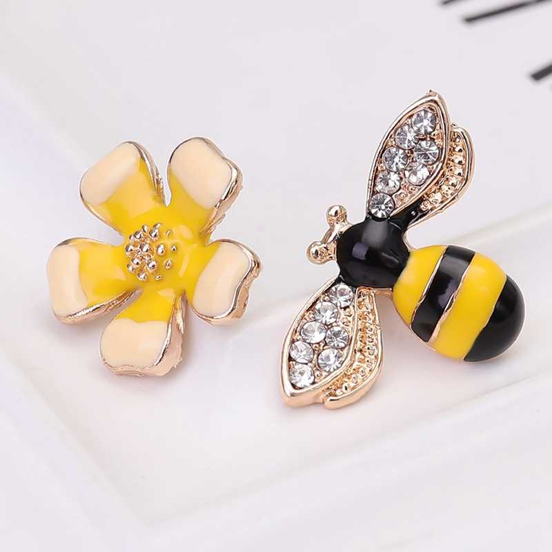 1Pair  Creative New Flower Bee Asymmetric Earrings Zircon Earrings Wholesale Earings Fashion Jewelry