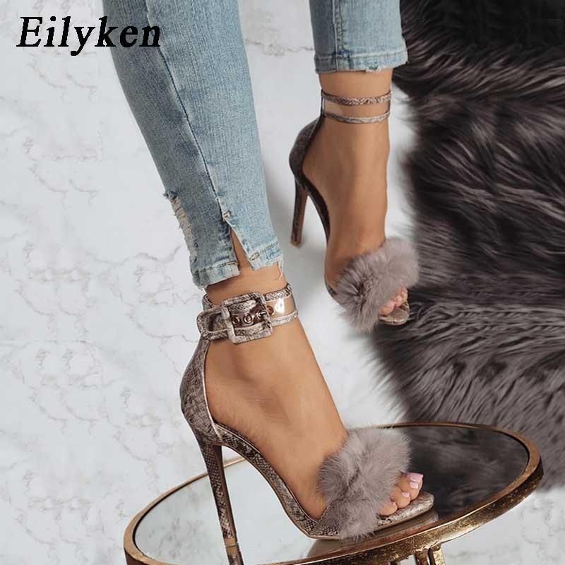 Eilyken женские летние босоножки на высоких каблуках, пальто с мехом, с леопардовым принтом обувь на высоком квадратном каблуке женские Ремешок на щиколотке сандалии с пряжкой размер 35 40