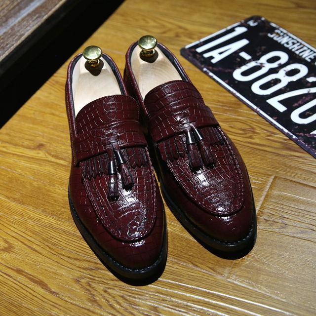 Men Shoes High Quality genuine Leather Men Loafers Shoes Vintage Tassel Men Slip On Outdoor Oxford Shoes Mocassin Homme Delocrd