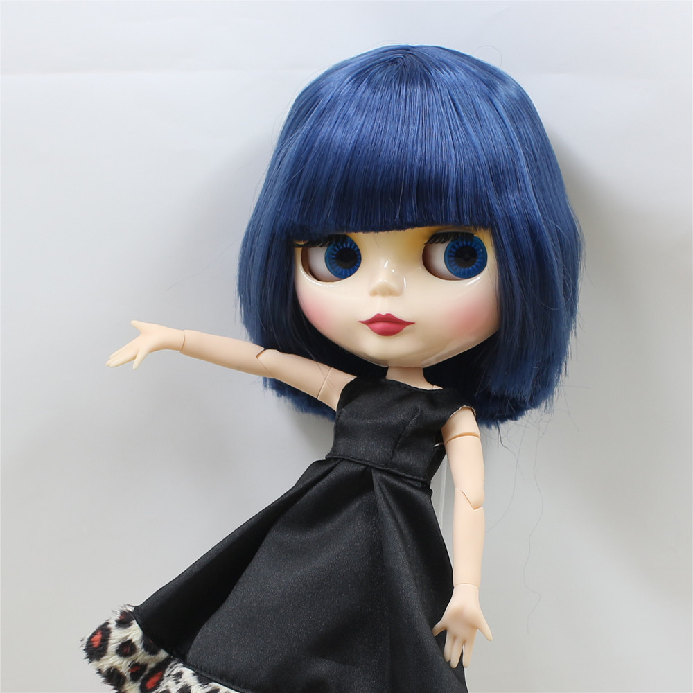 Neo Blythe Doll with Blue Hair, White Skin, Shiny Face & Jointed Body 4