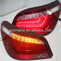 Для BMW E60 5 серии 520i 523i 525i 528i 530i светодиодные задние лампы 2004 2007 красный, белый JY