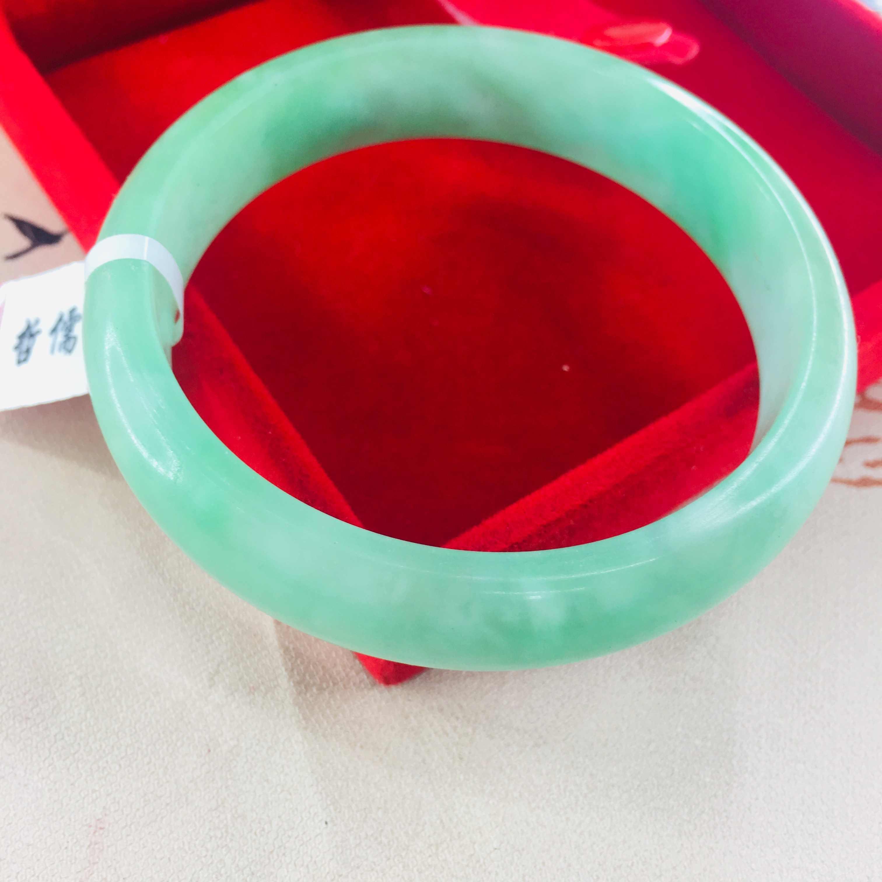 Zheru เครื่องประดับธรรมชาติ Jadeite สร้อยข้อมือธรรมชาติด้านล่างแสงสีเขียวสีทึบ 54-62 มม.หญิง Royal ของขวัญส่ง Certifica