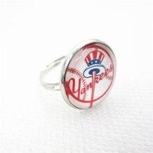 Nueva llegada 10 piezas Yankees anillo equipo de béisbol apertura ajustable  anillos de la aleación Fit 20mm cristal DIY joyería . 89459fdf9cf