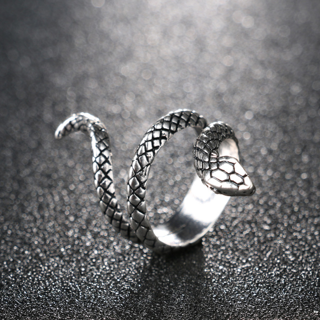 Wholesale Fashion Snake Rings For Women Color Silver Heavy Metals Punk Rock Ring Vintage Animal Jewelry 4