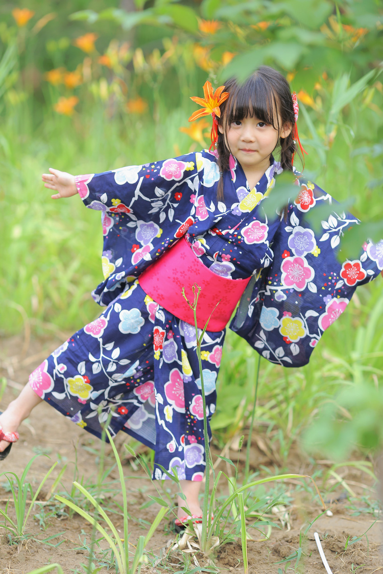 2018 autumn Japanese Traditional Cosplay Costumes Girl Kimono Dresses for Kids Girls Bathrobe Yukata Lace Children Crane Kimono