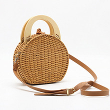 New Fashion Lady Shoulder Bag Hand Woven Wooden Handle Rattan Knit Shopping Straw Bohemian Style Messenger
