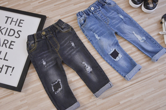 2017 Spring hot new fashion boys and girls cotton patch holes childrens jeans pick size