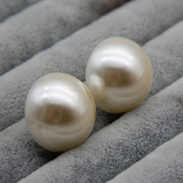 FishSheep 20MM Big Simulated Pearl Stud Earrings For Women White Color Simple Half Round Imitation Pearl.jpg 640x640 - FishSheep 20MM Big Simulated Pearl Stud Earrings For Women White Color Simple Half Round Imitation Pearl Earrings For Women Gift