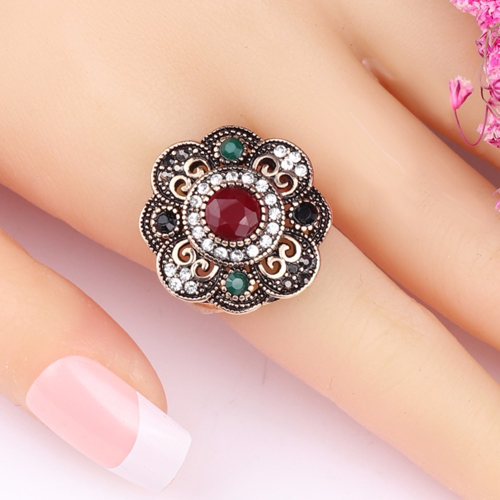 Vintage Rhinestone And Resin Rings 7.8.9,10 Sizes For Women Ladies Retro Finger Decorations Jewelry Accessories