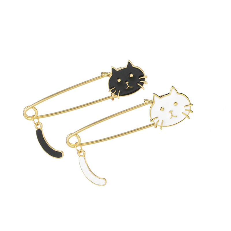 High Quality Cartoon Cute Black White Enamel Cat Brooch Hot Sale Classic Fashion Collar Clothes Bag Decoration Animal Brooches