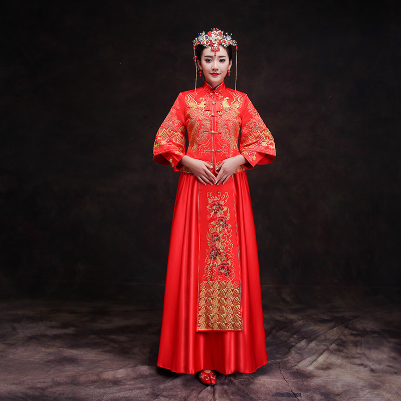 Women Traditional Gown Bride Cheongsam Long Chinese 2018 New Wedding Dress Woman Elegant China Modern Qipao Dresses cele goldsmith lalli modern bride® wedding celebrations