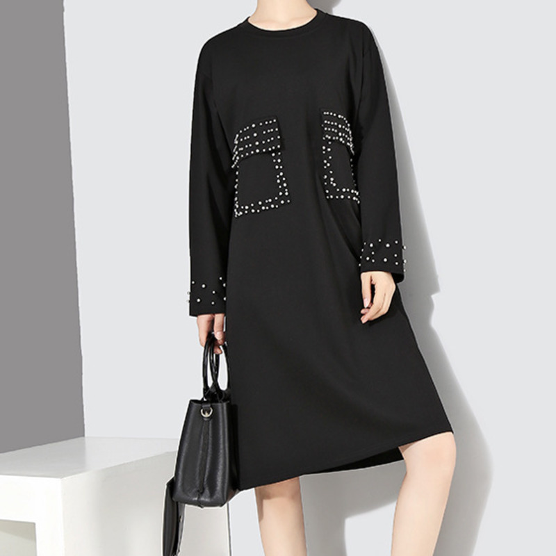 SHENGPALAE 2018 New Autumn Winter Round Neck Long Sleeve Personality Black Rivet Stitching Loose Dress Women Fashion Tide JH570