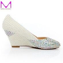 2016 New Fashion Ivory Perle Hochzeit Keile Formelle kleidung Schuhe AB Farbe Kristall und Perle Hochzeit Kätzchen Absatz Prom pumpen