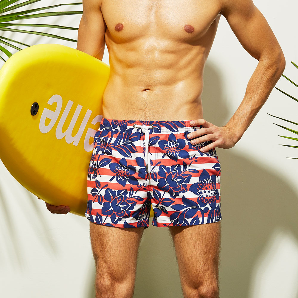 New Design Men's Beach   Shorts   Gay Swimsuit Swimwear Polyester Surfing   Shorts   Flowers Printed Swim Trunks Loose   Board     Shorts