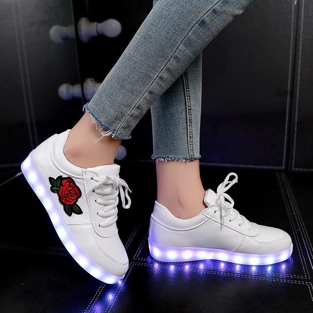 2018 חדש גודל 26-44 ילדים סניקרס הזוהר עבור בנות בני נשים נעליים עם אור Led נעליים עם פרח זוהר סניקרס