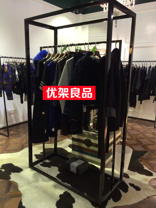 The high-end clothing store display iron clothes rack hanger racks of clothing Nakajima aircraft landing clothes rack managing the store