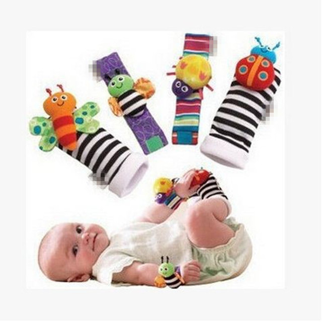 2016 4Pcs/Lot Soft Handbells Animal Baby Toys Rattle Hand Wrist Strap Sock Foot Finder Infant Toy Rattles Baby Gift Brinquedos