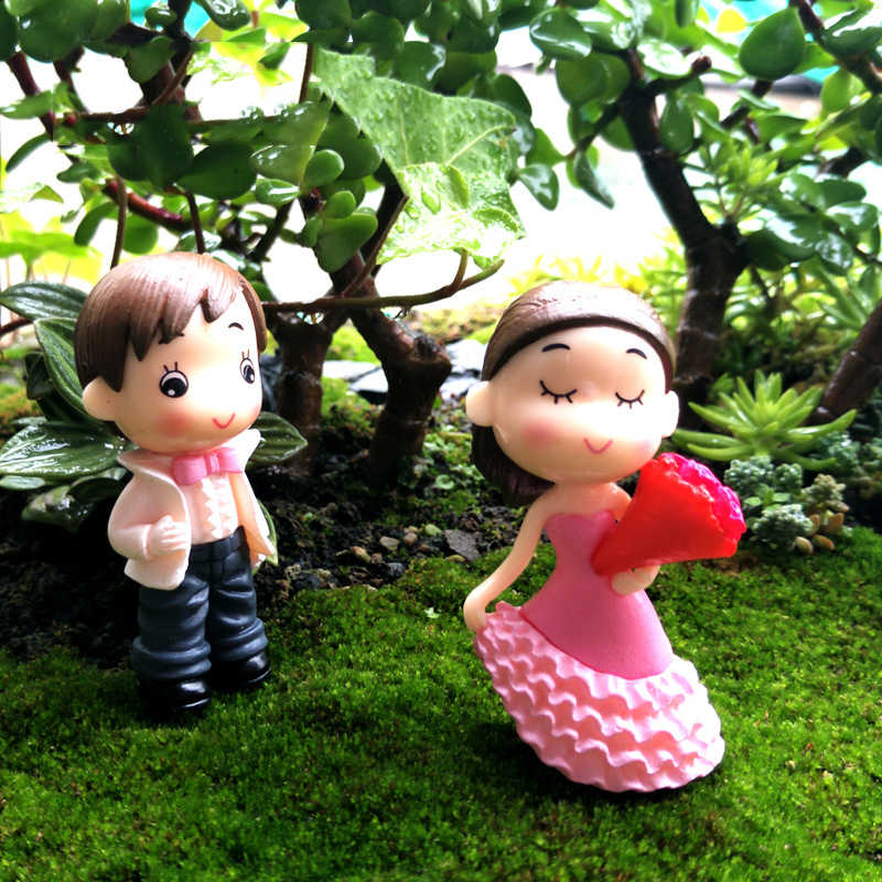 2pcs/set Wedding Bride and Groom Dolls Micro Fairy Garden Gnomes Decorative Toys Terrariums Figurines Miniatures DIY Ornaments