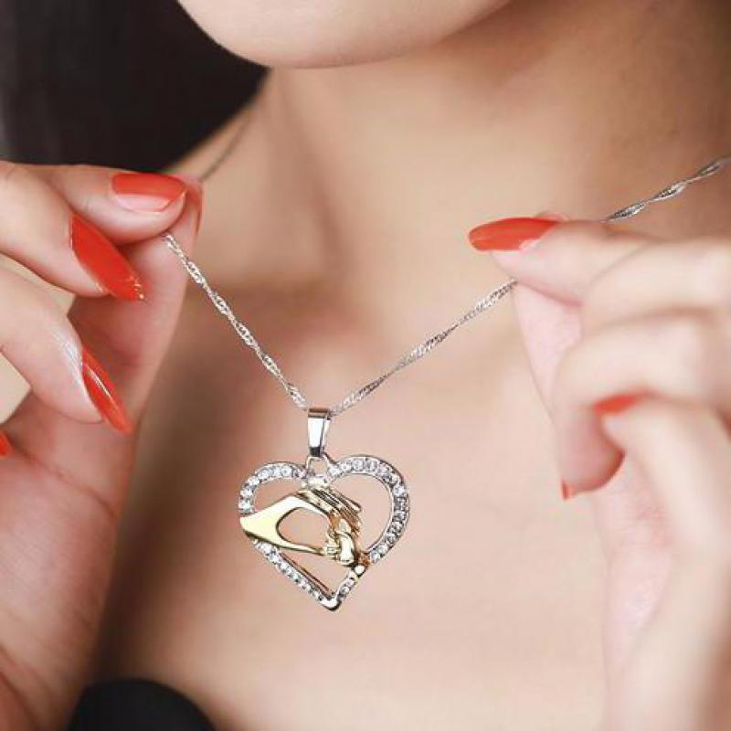 2019 Cubic Zirconia Mom Necklace Baby Heart Pendant Daughter Son Child Family Love Jewelry Friends Birthday Mother Days Gift Box 18
