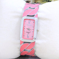 Pequeno atacado quadrado pulseira de relógio dom mesa mesa de comércio exterior fabricantes de vendas diretas 750 Taobao