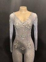 Смотрите хотя кристаллы Камни Комбинезон Сексуальная Вечеринка Одежда яркие Стразы боди костюм выпускного вечера День Рождения Празднова