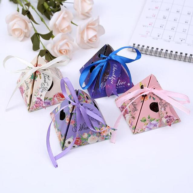 2017 new design Elegant favor boxes ,paper candy gift bags for wedding party guests,Triangular cone box