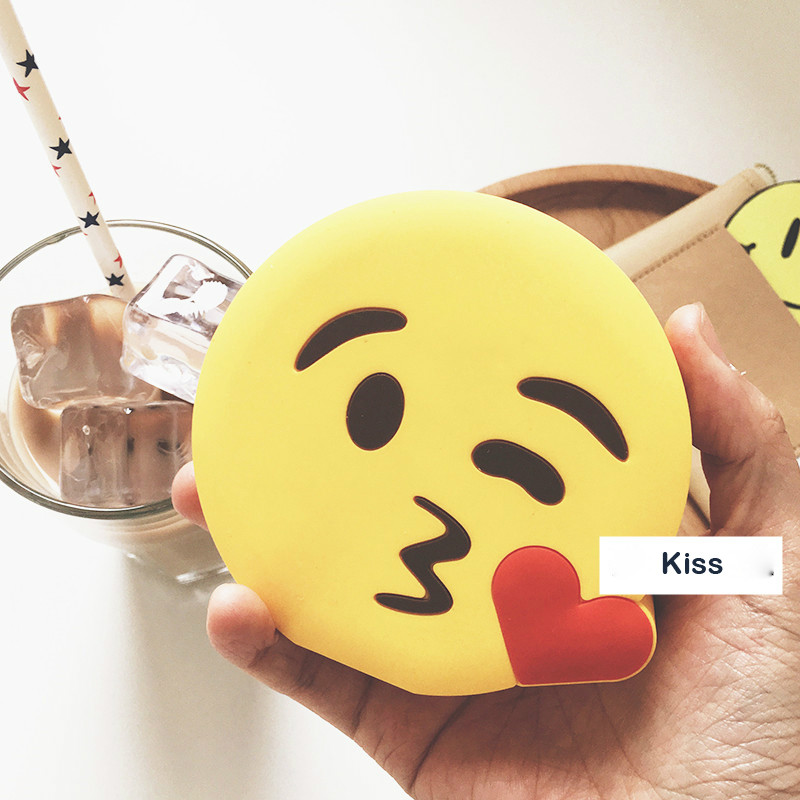 Newest Design 2600mah Funny Cute Emoji Unicorn Shaped Power Bank PVC Material Charge Mobile Cartoon For Mobile Phone Power bank