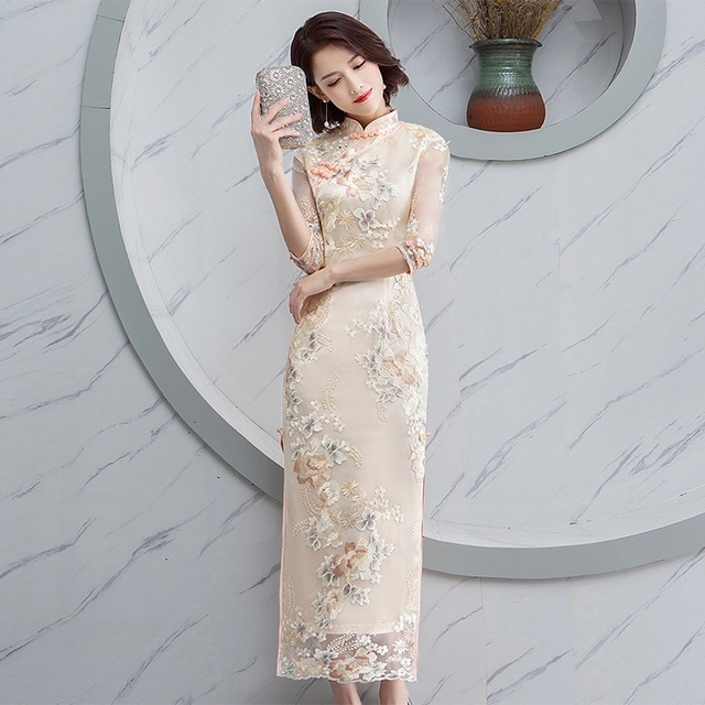 2019 Spring New Embroidery Cheongsam Women Elegant Lace Long Qipao Chinese  Handmade Button Dress Wedding Evening Party Vestidos d2ccf7e48c4f